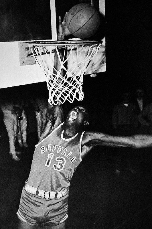 Jim Horne (#13), Buffalo Basketball player