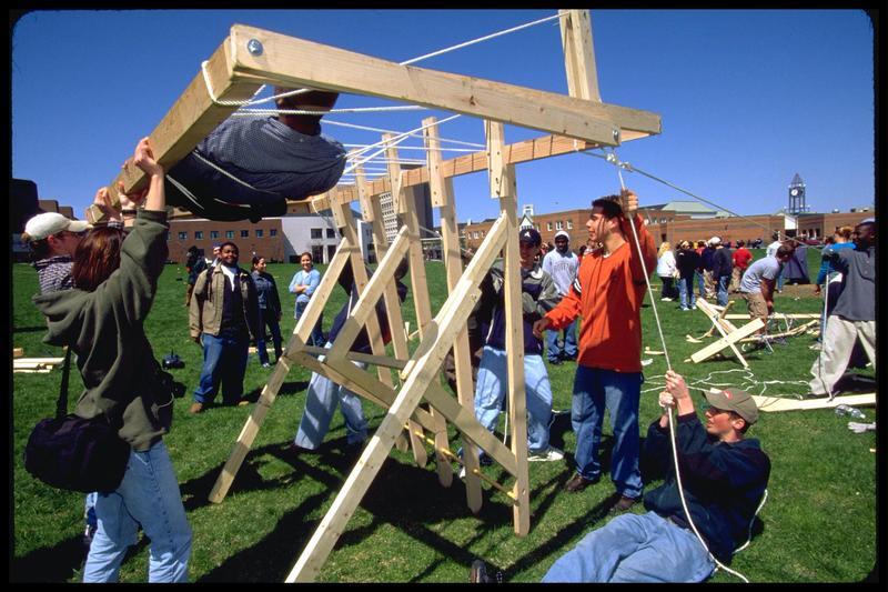 http://digital.lib.buffalo.edu/photo/photos/01005/01005041.jpg