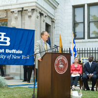 http://digital.lib.buffalo.edu/photo/photos/20351/20351056.jpg